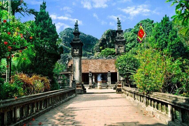 Đền thờ vua Đinh Tiên Hoàng ở cố đô Hoa Lư