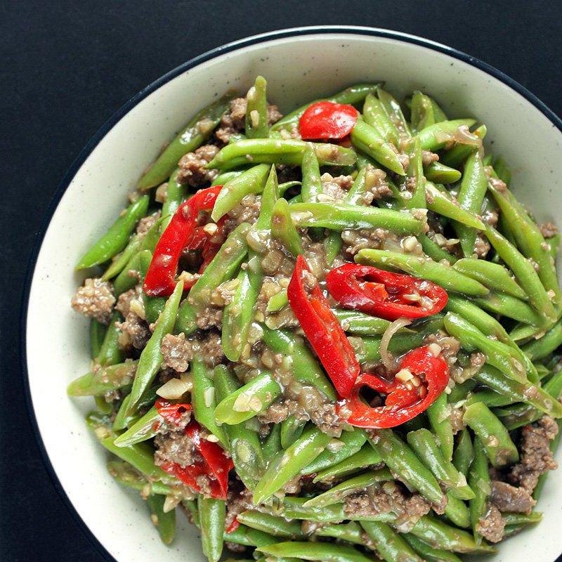 Món thịt bò xào mướp có thể thay bằng đậu cove