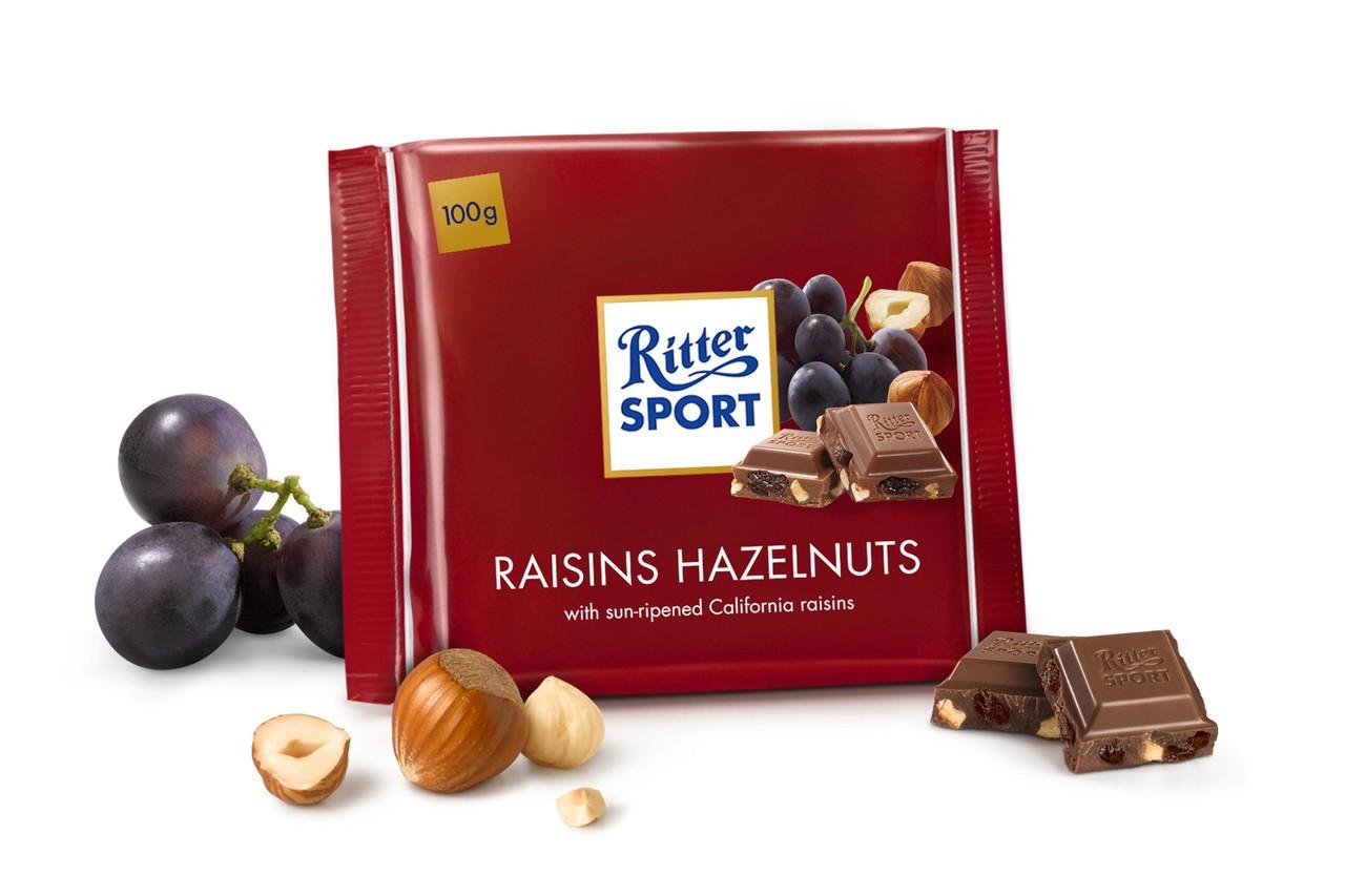 Sô cô la sữa nhân nho khô và hạt dẻ Ritter Sport rất được ưa chuộng trong dịp Tết