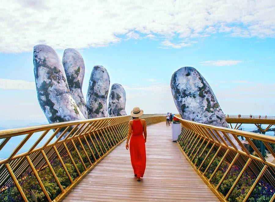Cầu Vàng – Điểm check in nổi tiếng tại Bà Nà Hills Đà Nẵng. (Ảnh: Internet)