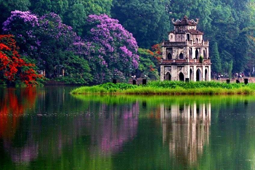 Vẻ đẹp thơ mộng của thủ đô nghìn năm văn hiến thân yêu (Ảnh: Internet)