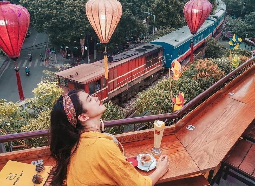 Laika Cafe – điểm dừng chân được giới trẻ Hà Thành ưu ái bởi không gian cổ kính, xinh đẹp (Ảnh: Internet)