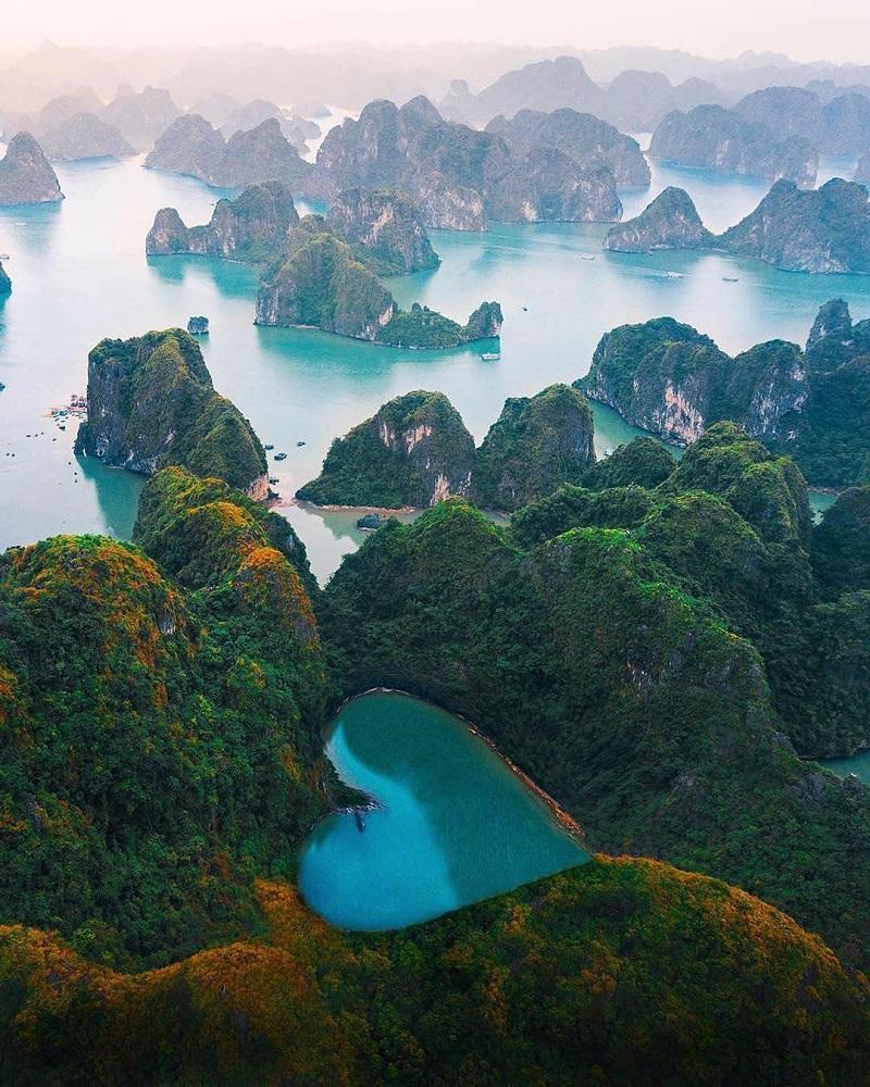 Vịnh Hạ Long nhìn từ trên cao