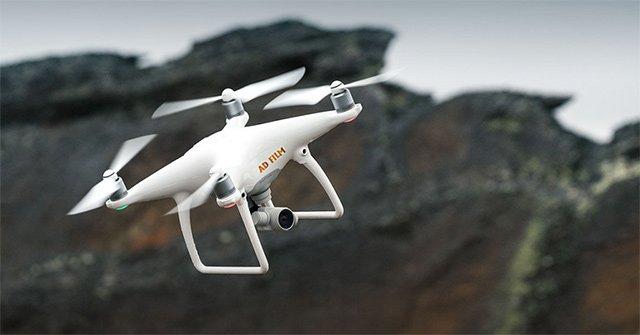 Điều khiển Flycam trên cao