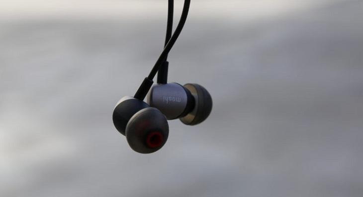 Tai nghe in-ear