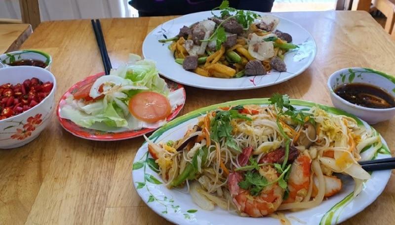 Quán ăn ngon ở sài gòn quận 1. Ẳn gì ở quận 1 Sài Gòn? Quán Út Hương