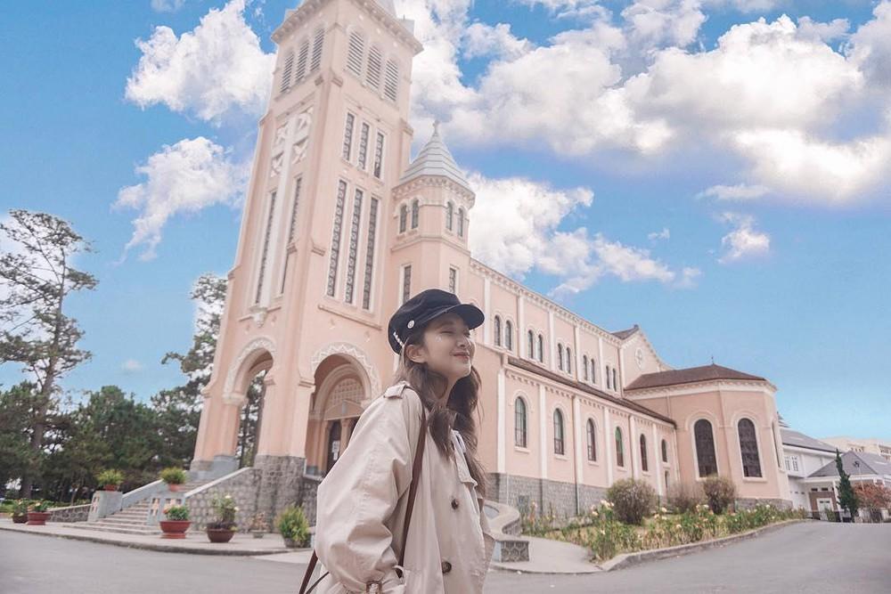 Nhà thờ Con Gà Đà Lạt - Địa chỉ, sự tích và giờ lễ của nhà thờ