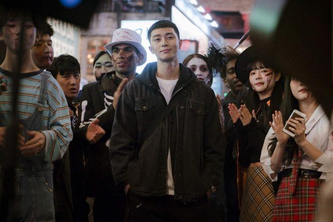 """Giải mã từ """"Itaewon"""" mới thấy """"Tầng Lớp Itaewon"""" của Park Seo Joon siêu  cool ngay từ tên phim!"""