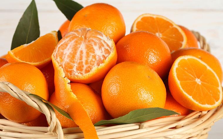 Ngậm và nuốt vỏ cam