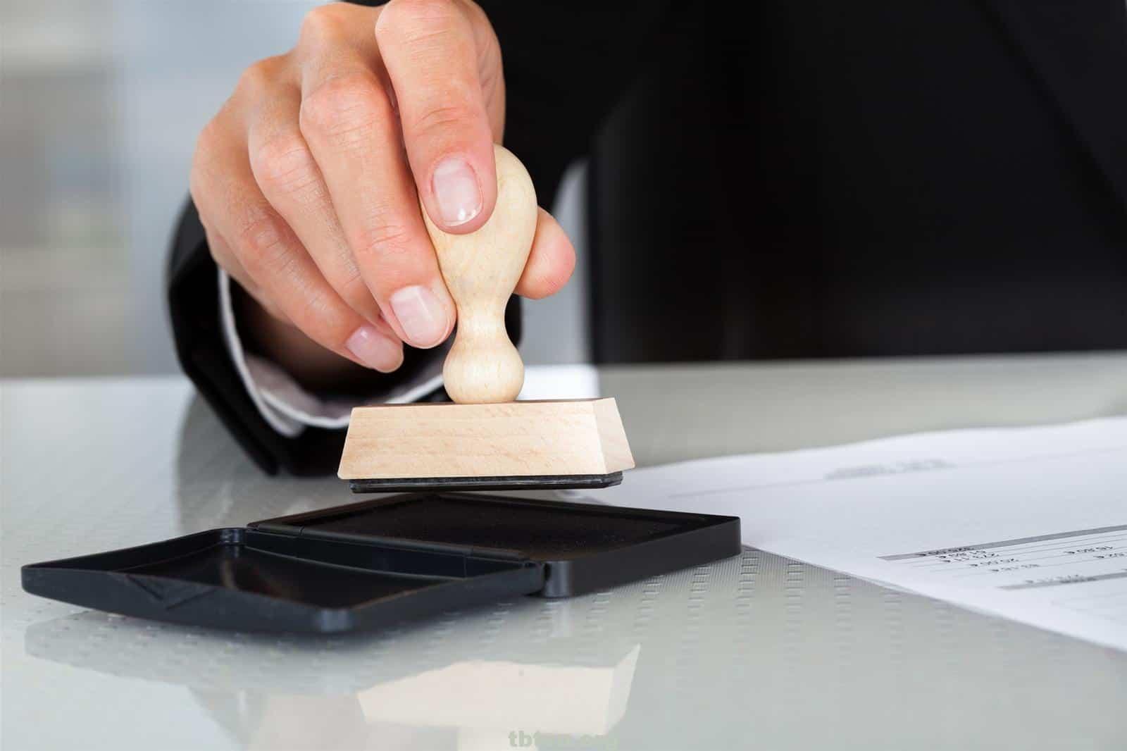 Làm con dấu là bước vô cùng quan trọng khi đăng ký kinh doanh
