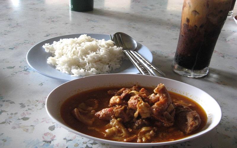 Kaeng hang le - món ăn đặc trưng của người miền Bắc Thái